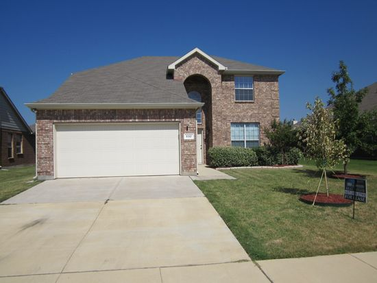 832 W Bend Blvd, Burleson, TX 76028