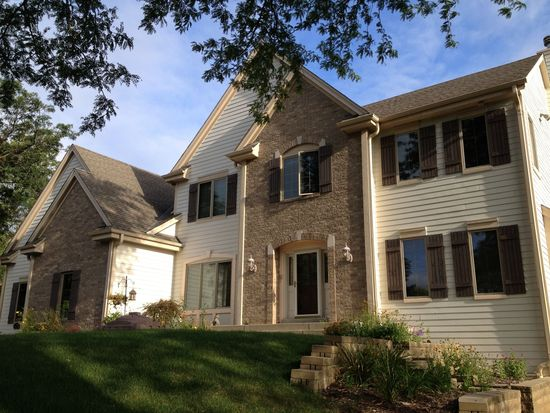 18380 Countryside Ct, Brookfield, WI 53045