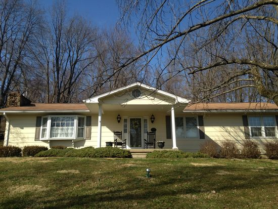 510 Rainbow Dr NW, Lancaster, OH 43130