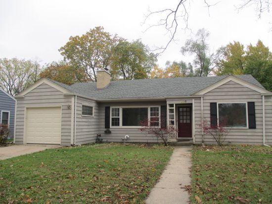 235 W Crystal Lake Ave, Crystal Lake, IL 60014