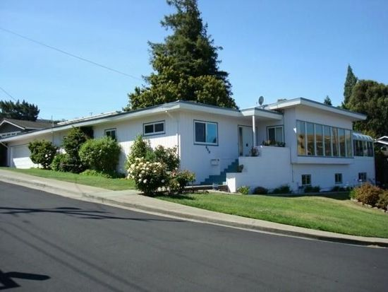 950 Harbor View Dr, Martinez, CA 94553