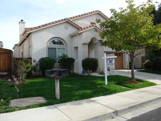 128 Blue Spruce Ln, Union City, CA 94587