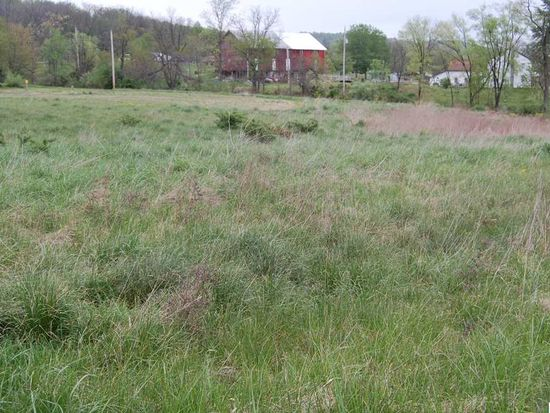 WS Cemetery Rd, Fredericksburg, PA 17026
