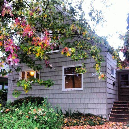 5518 Brooklyn Ave NE, Seattle, WA 98105