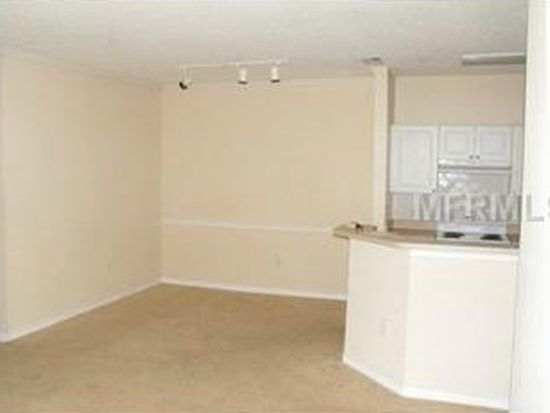 18001 Richmond Place Dr APT 914, Tampa, FL 33647