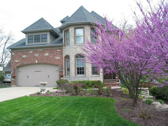 4833 Stonewall Ave, Downers Grove, IL 60515