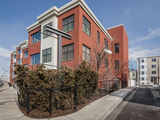 152 Old Colony Ave UNIT 8, South Boston, MA 02127