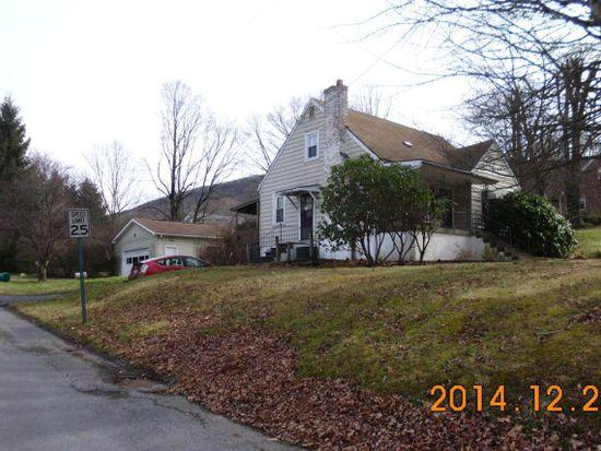 2801 Grassy Branch Rd, Bluefield, WV 24701