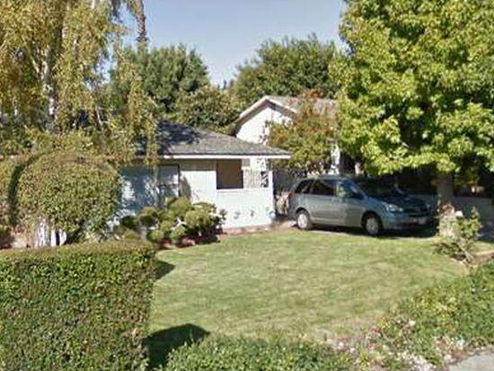 4537 Rockland Pl, La Canada, CA 91011