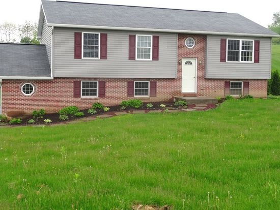 912 E Lincoln Ave, Myerstown, PA 17067