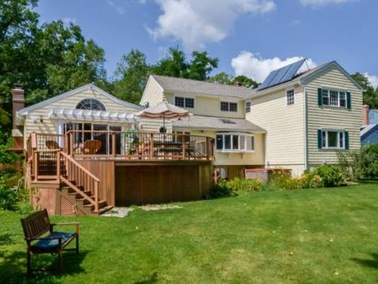 86 Waterside Ln, West Hartford, CT 06107