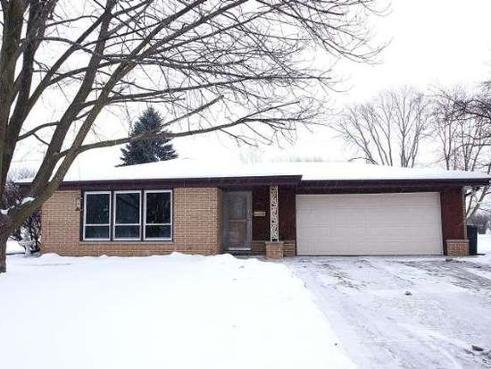 5101 Russell Ct E, Greendale, WI 53129