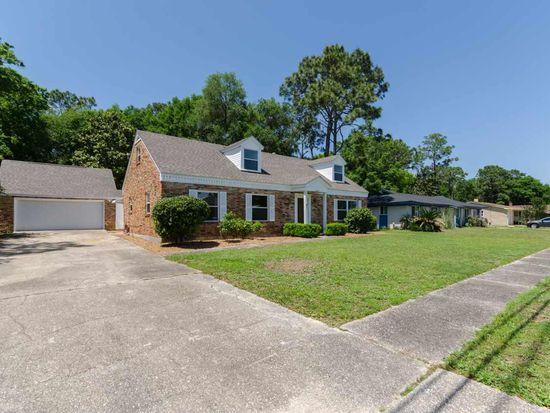 5415 Hibiscus Rd, Pensacola, FL 32504