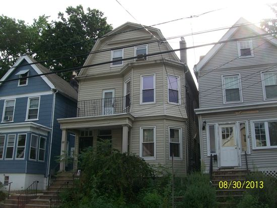 88 Smith St, Irvington, NJ 07111