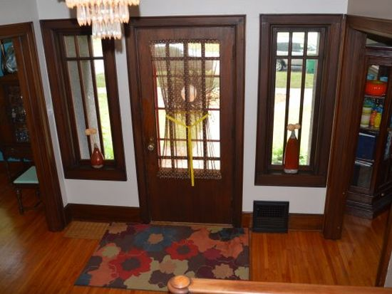 826 S Quincy St, Green Bay, WI 54301