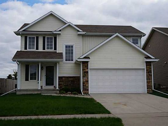 9384 Red Sunset Dr, West Des Moines, IA 50266