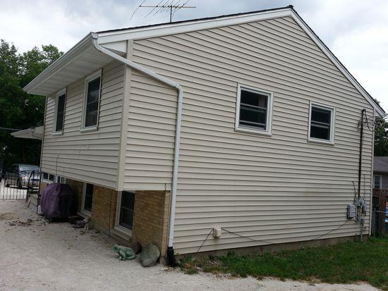 1002 Kenilworth St, Round Lake Beach, IL 60073