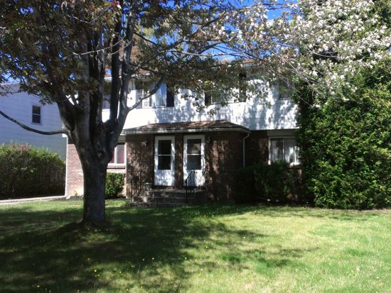 102 Grandview Dr, Amherst, NY 14228