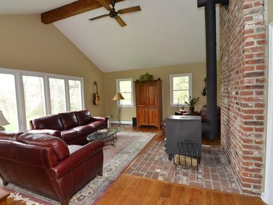 13 Hillendale Rd, Chadds Ford, PA 19317