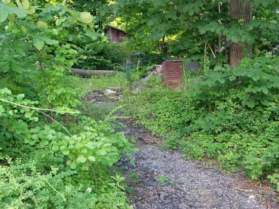 25 Brentwood Rd, Kent Lakes, NY 10512