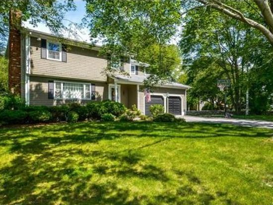 11 Memorial Ave, Dartmouth, MA 02748