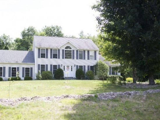 16 Debbi Ln, Epping, NH 03042