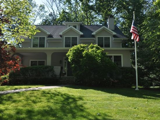 21 Melrose Rd, Mountain Lakes, NJ 07046