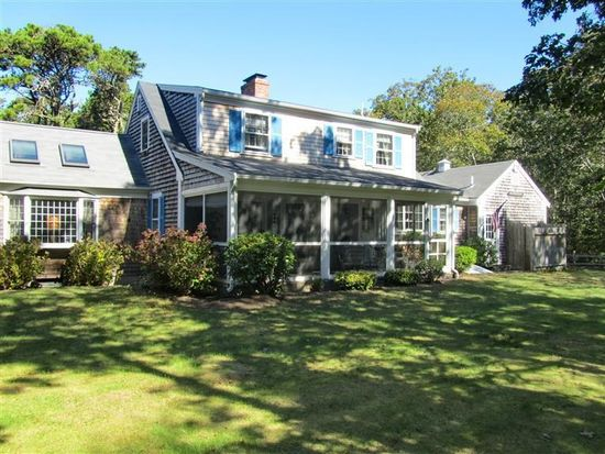 8 Old Wharf Rd, Harwich Port, MA 02646