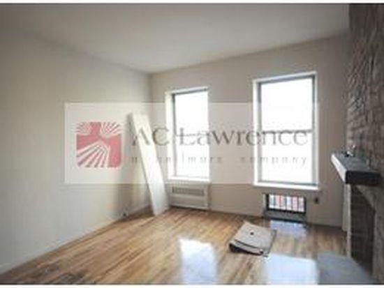 304 W 21st St, New York, NY 10011