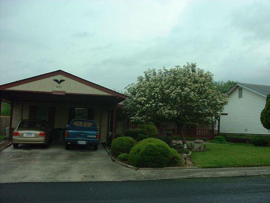 831 Robinair Dr, San Antonio, TX 78245