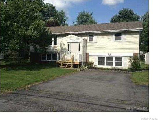 2279 Hopkins Rd, Getzville, NY 14068