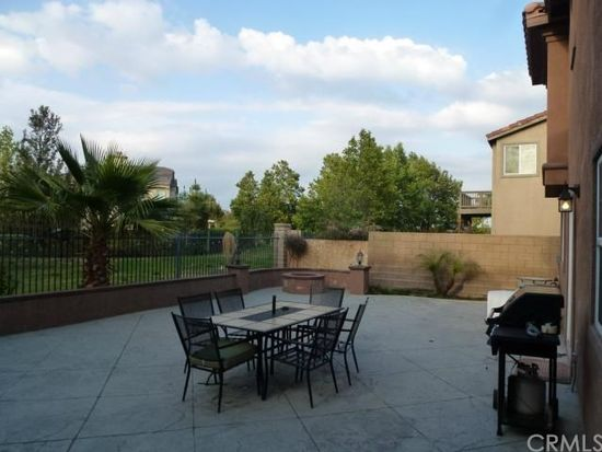 16414 Empire Lakes Ct, Fontana, CA 92336