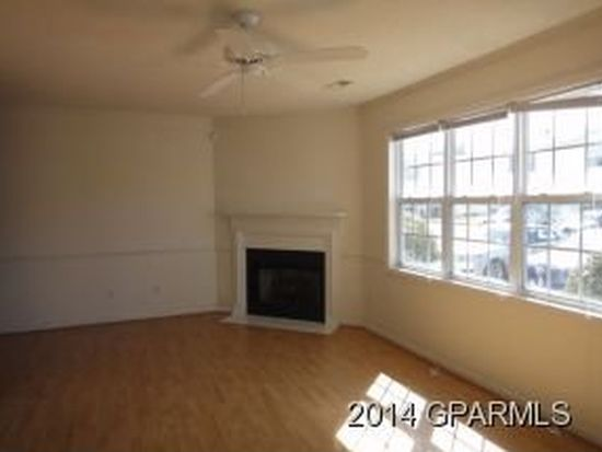 3923 Sterling Pointe Dr UNIT MM2, Winterville, NC 28590