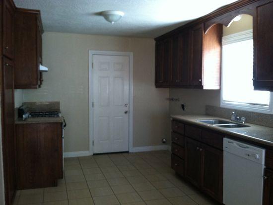 15530 Hesperia Rd APT C, Victorville, CA 92395