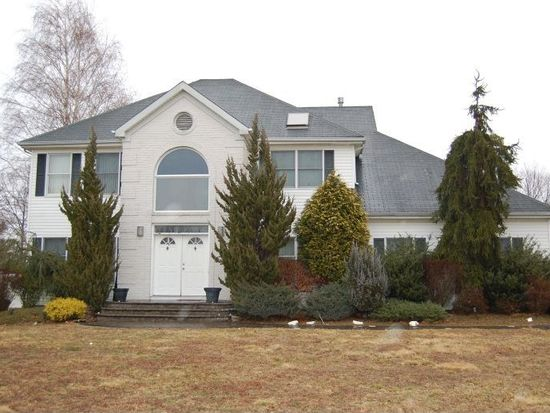 21 Christina Ave, Monroe Twp, NJ 08831