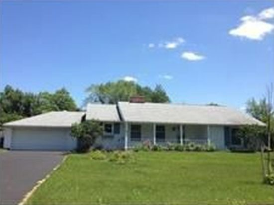 63 Westchester Rd, Williamsville, NY 14221