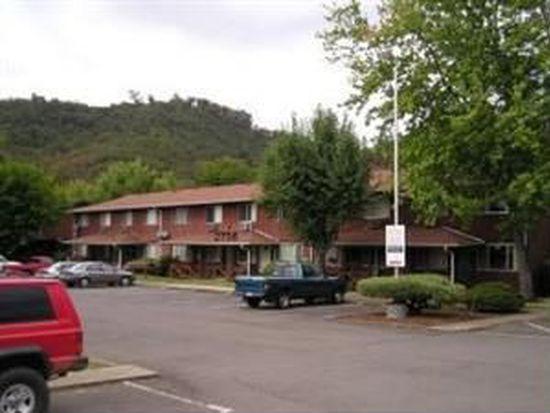 2756 NW Edenbower Blvd APT 7, Roseburg, OR 97471