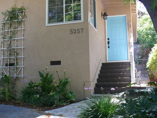 5257 Sale Ave, Woodland Hills, CA 91364