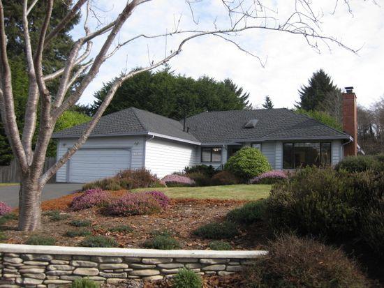 1990 Bartow Rd, Mckinleyville, CA 95519