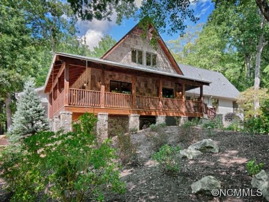 2 Country Spring Dr, Asheville, NC 28804