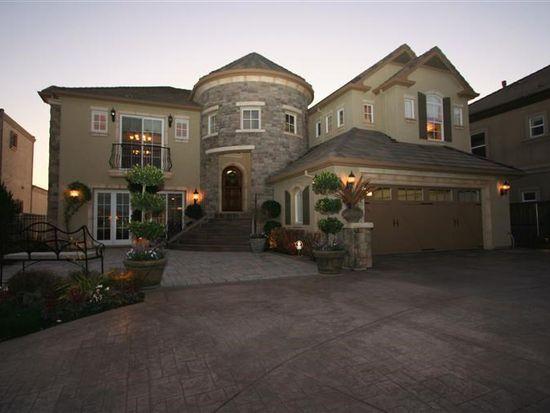 5636 Saint Andrews Dr, Stockton, CA 95219