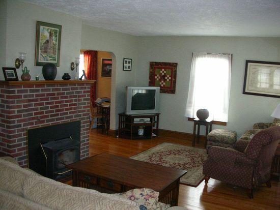 34 Rose Ct, Albany, NY 12209