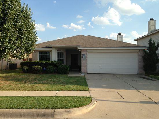 9209 Lamplighter Trl, Fort Worth, TX 76244