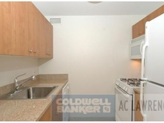 400 W 37th St APT 8L, New York, NY 10018