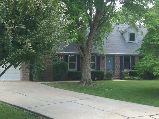 351 Westwood Ct, Bowling Green, KY 42103