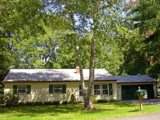 7 Maplewood Ave, Rochester, NH 03867