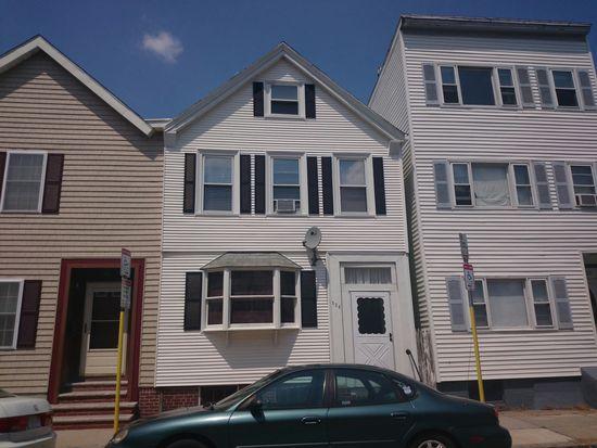 520 E 8th St, South Boston, MA 02127