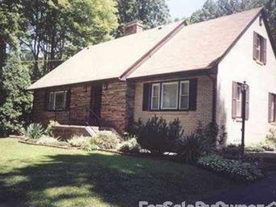 855 Maple Dr, Hermitage, PA 16148