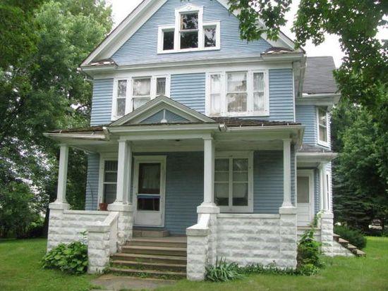 210 E Cleveland St, Waterman, IL 60556