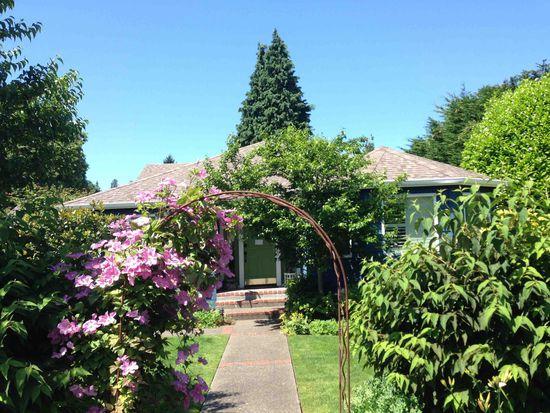 8035 Forest Dr NE, Seattle, WA 98115